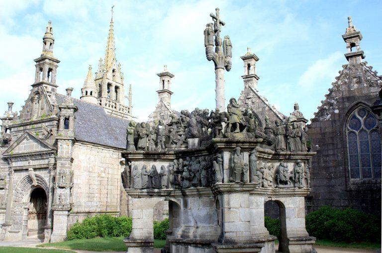 Les activités dans le Finistère : LES ENCLOS PAROISSIAUX