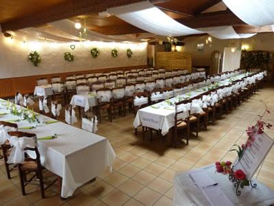 Les activités dans le Finistère : LES SALLES DE TI GLAZ – COCHON GRILLÉ